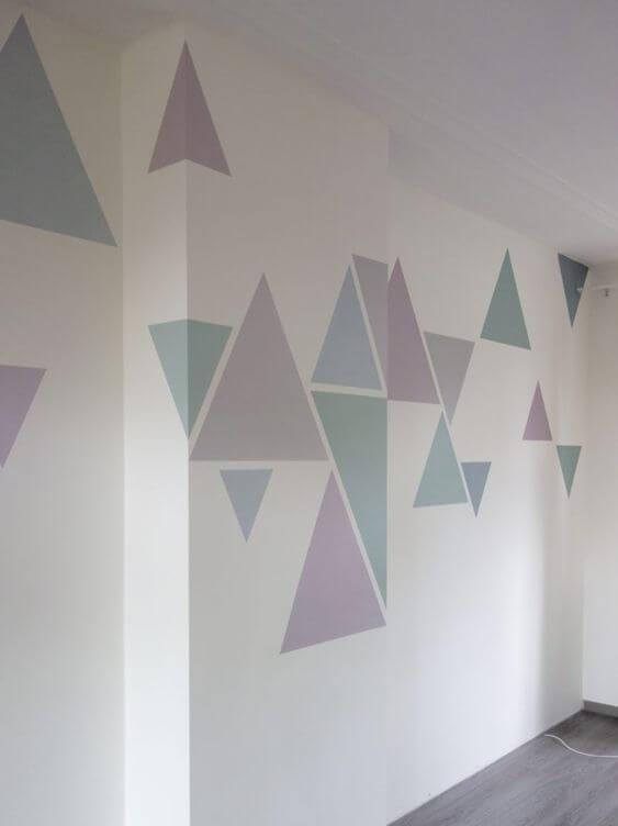 Cat Dinding Motif Geometris Warna Abu abu dan Putih