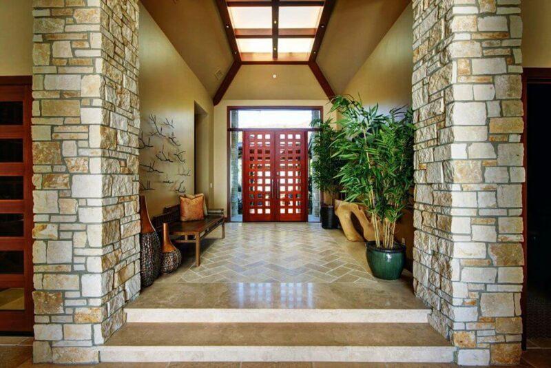 Contoh Keramik Batu Alam Tiang Teras Rumah Minimalis