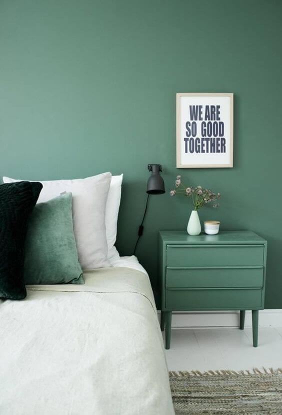 Dekor kamar tidur sederhana hijau meja unik