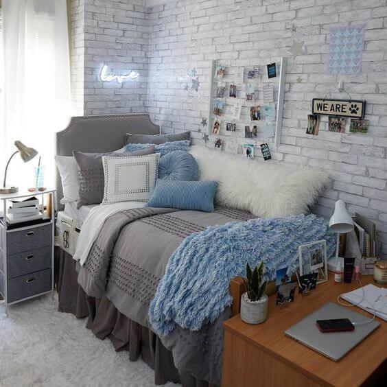 Dekor kamar tidur sederhana motif dinding
