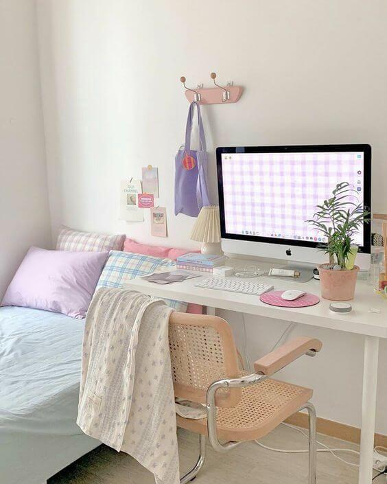 Dekor kamar tidur sederhana warna cerah