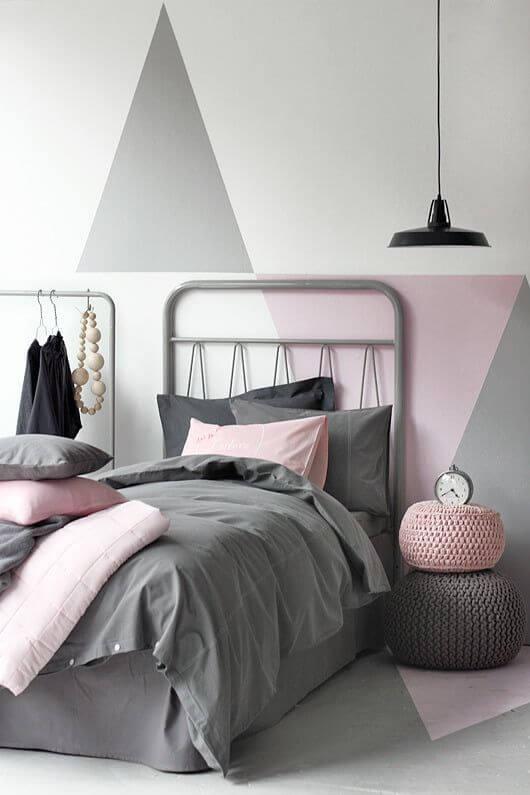 Dekorasi Kamar Tidur Sempit pink abu