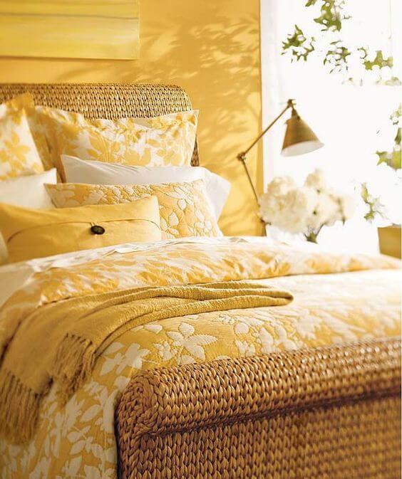 Warna cat kamar tidur romantis kuning
