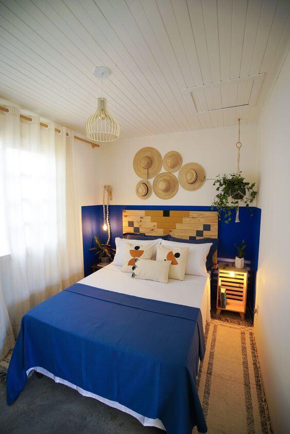 kombinasi Warna cat kamar tidur romantis-putih biru