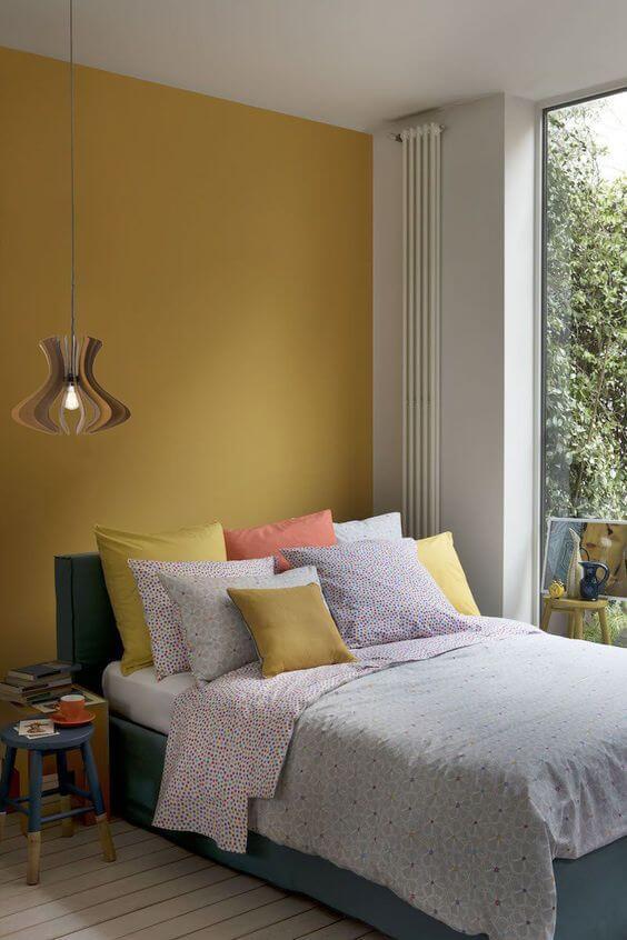 kombinasi Warna cat kamar tidur romantis-putih kuning