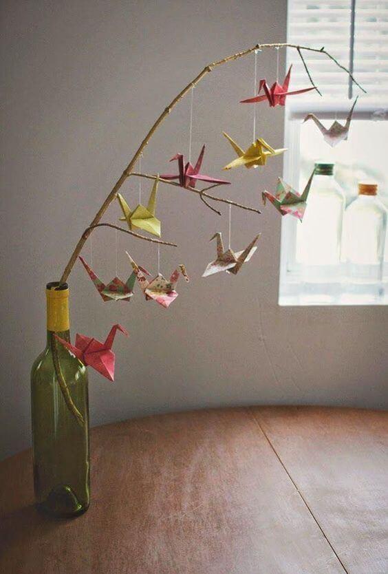 Cara menghias kamar tidur sempit- origami vas