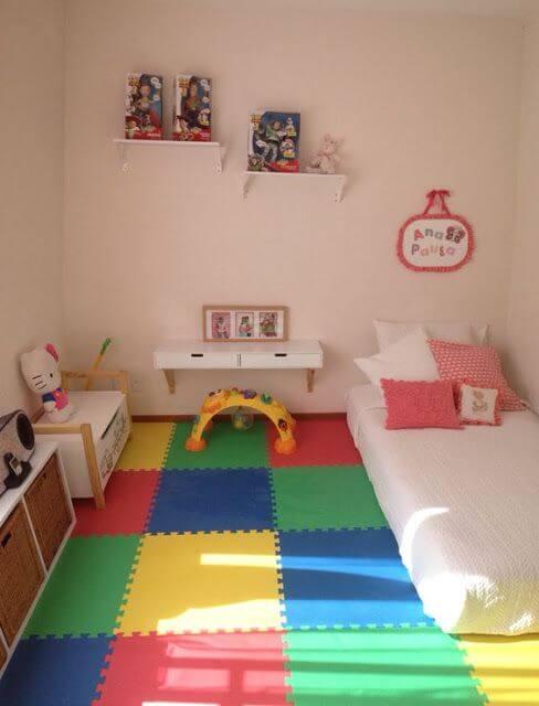 Dekorasi Kamar Tidur Anak Perempuan Minimalis Lantai warna
