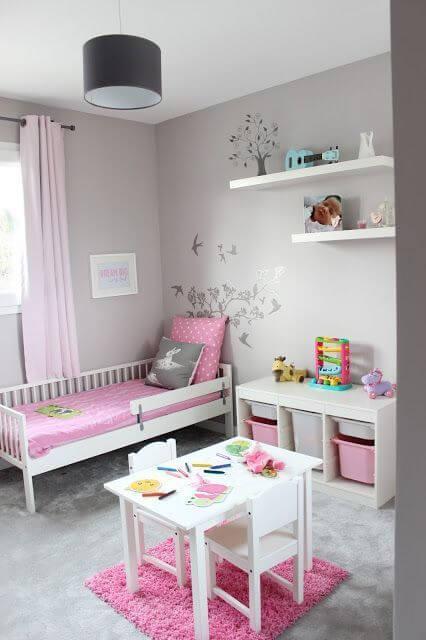 Dekorasi Kamar Tidur Anak Perempuan Sederhana meja