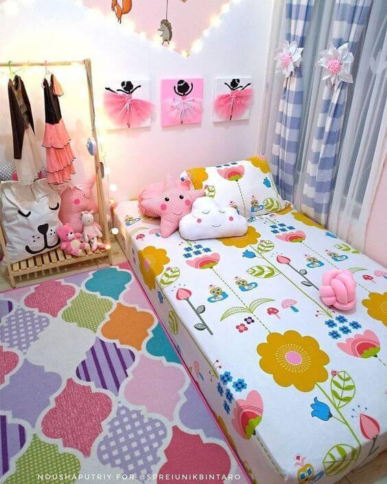 Dekorasi Kamar Tidur Anak Perempuan Sederhana warna warni