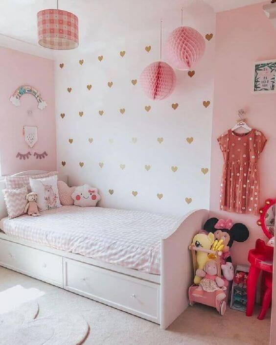 Desain Kamar Anak Perempuan Minimalis Dinding Cinta