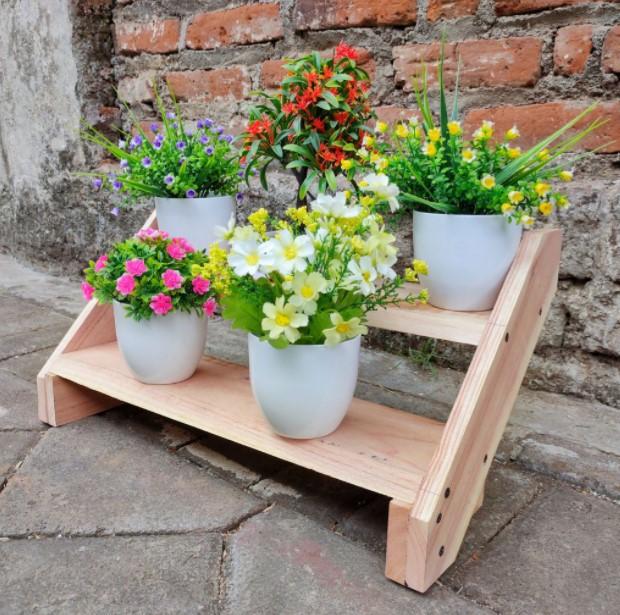 Rak Bunga dari Kayu